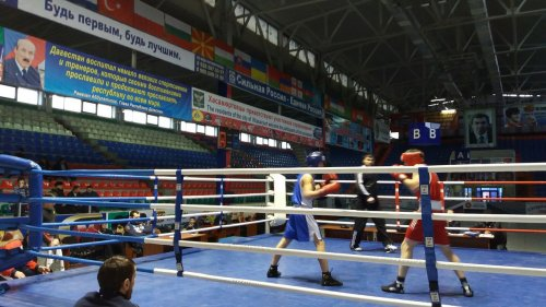 В Хасавюрте соревнуются юноши на первенстве северной зоны РД по боксу
