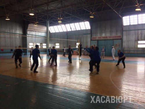 Турнир по волейболу между командами служащих городской администрации