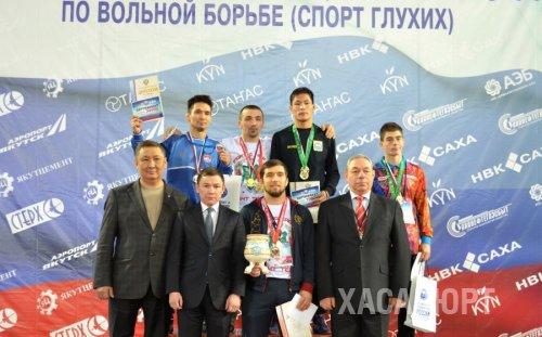 Хасавюртовец Аскар Аскаров стал первым на сурдочемпионате России по борьбе