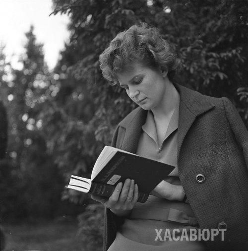 Библиотекари Хасавюрта представили в Интернете документальную выставку к юбилею В.В.Терешковой