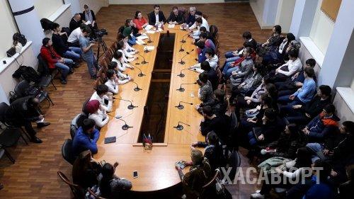 Круглый стол «Крым и Россия. Мы вместе» прошел в Хасавюрте