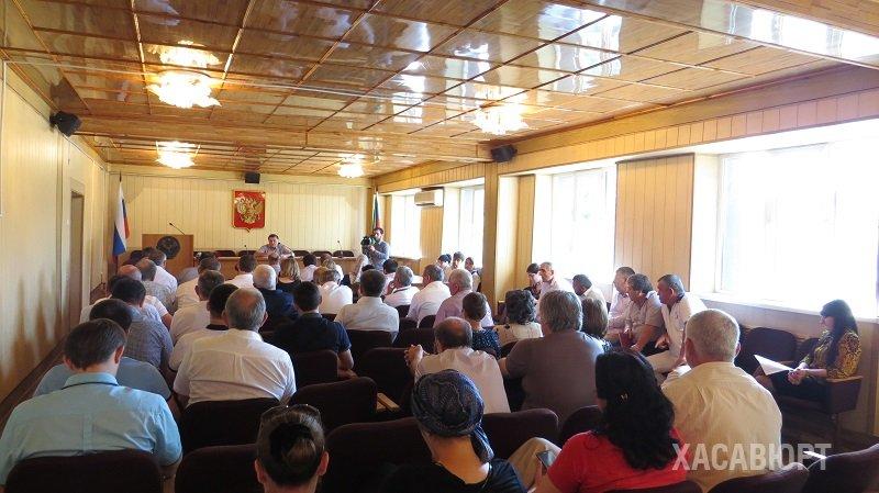 В актовом зале городской администрации состоялось очередное аппаратное совещание