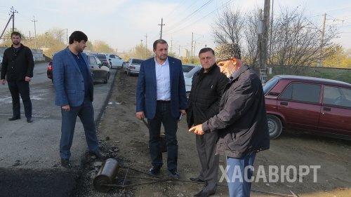 Глава Хасавюрта проинспектировал ход ремонта дорожных работ в городе