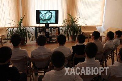 Библиотекари Хасавюрта знакомят школьников и студентов  с героями битвы за Сталинград