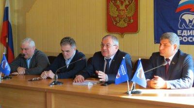 Депутаты Народного Собрания РД Висампаша Ханалиев и Ризван Голоев встретились с представителями администрации Хасавюрта