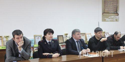 Сотрудники ОМВД России по г. Хасавюрт провели беседу со студентами ДГУ