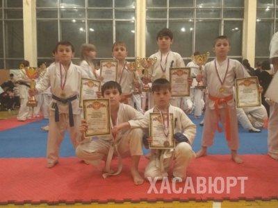 Юные каратисты Хасавюрта стали победителями чемпионата и первенства Ставропольского края
