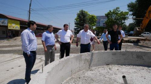 Глава Хасавюрта Зайнудин Окмазов провел инспекцию дорожно-ремонтных работ