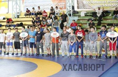 Уроженец Хасавюрта стал победителем чемпионата СКФО по греко-римской борьбе