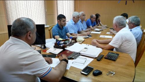 В Хасавюрте работники УКХ провели совещание против террора
