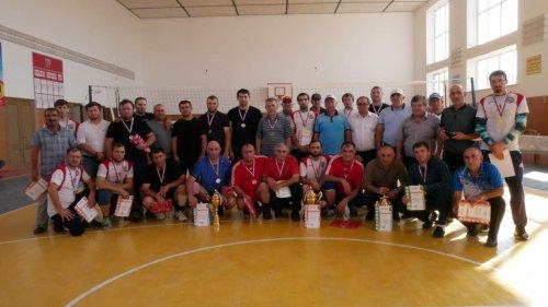 Чемпионат города по волейболу ко дню солидарности борьбы с терроризмом прошел в Хасавюрте