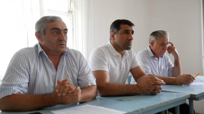 Работники транспорта провели в Хасавюрте акцию-протест против террора