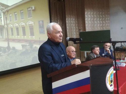 Академику Шамилю Алиеву присвоено звание «Почетный гражданин города Хасавюрт»