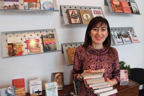Читатели библиотеки Хасавюрта проведут новогодние каникулы с хорошими книгами