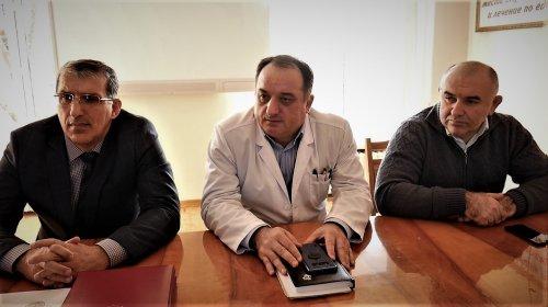 В Хасавюрте благодарственными письмами отметили работников ЦГБ