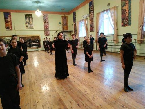 В Хасавюрте с отчетным концертом выступили воспитанники детских студий