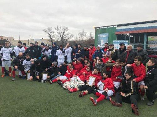 В Хасавюрте завершилось открытое первенство города по футболу на призы министра промышленности и энергетики РД Сайгидпаши Умаханова