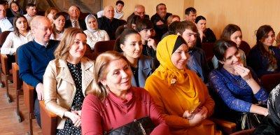 Торжественное собрание ко Дню работника культуры состоялось в Хасавюрте