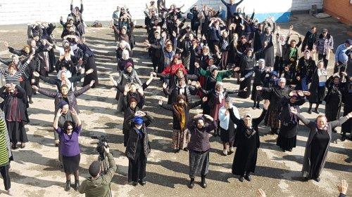 Зарядку под девизом «Здоровая семья – здоровый Хасавюрт» провели в городе