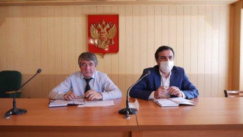 Совещание с представителями торговых объектов состоялось в мэрии Хасавюрта