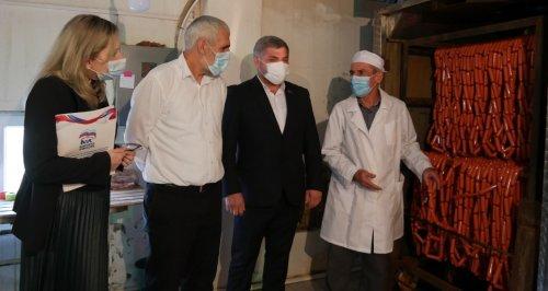 Депутат Ризван Голоев проверил организацию горячего питания в школах Хасавюрта