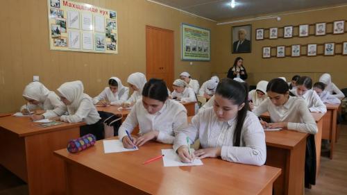 Хасавюртовцы приняли участие в акции «Диктант на языках народов Дагестана»