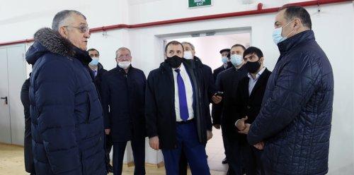 Сергей Меликов посетил социальные объекты города Хасавюрт
