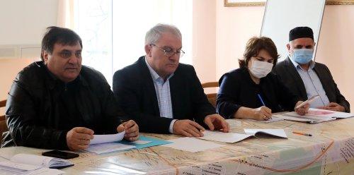 Сайгидпаша Умаханов призвал активизировать разъяснительную работу по вакцинации против COVID-19