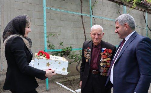 Депутат Народного Собрания Ризван Голоев поздравил ветерана с Днём Победы